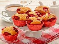 Рецепта Мъфини с пресни ягоди и течен шоколад